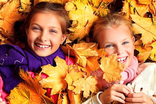 zabawa dzieci jesień